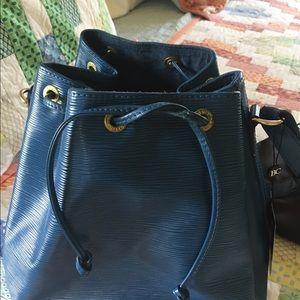 Authentic Louis Vuitton epi noe Bag